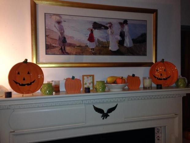 Our Halloween Mantel