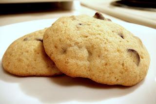 banana-chocolate-chip-cookies
